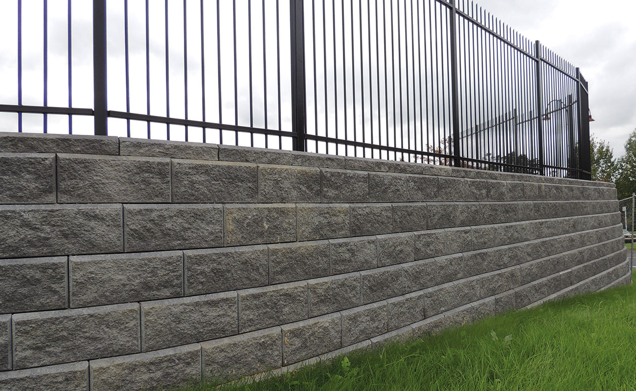 Concrete Fence Walls : Price guide for various retaining walls zones