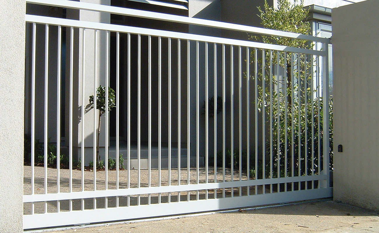 Basic budget fencing and gates ideas