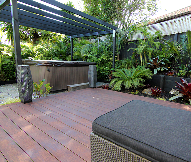 Cost Of A Mid Range Deck And Pergola Zones