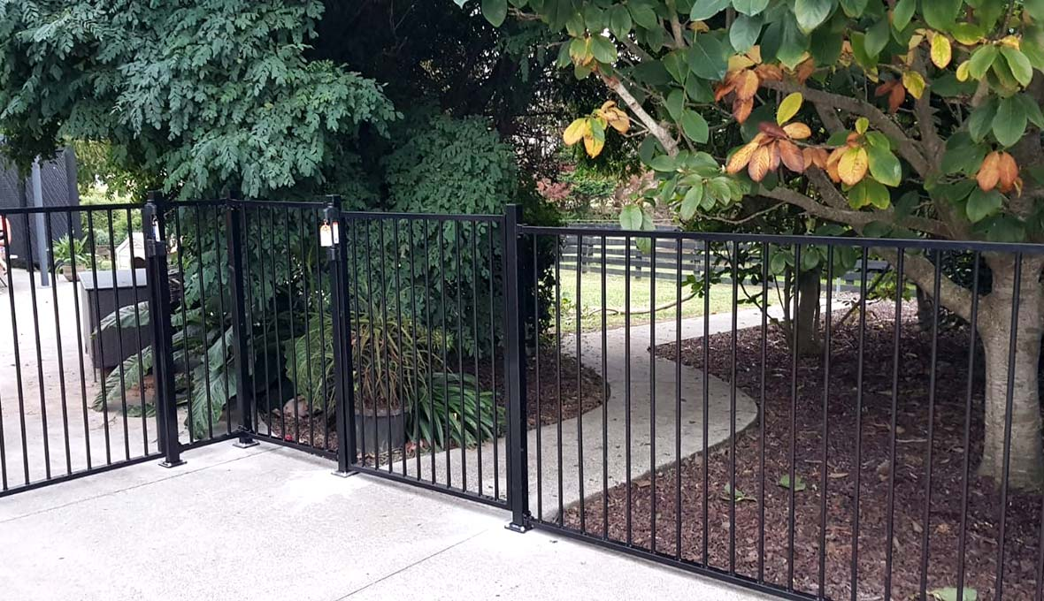 Installing fencing and gates in Pukekawa