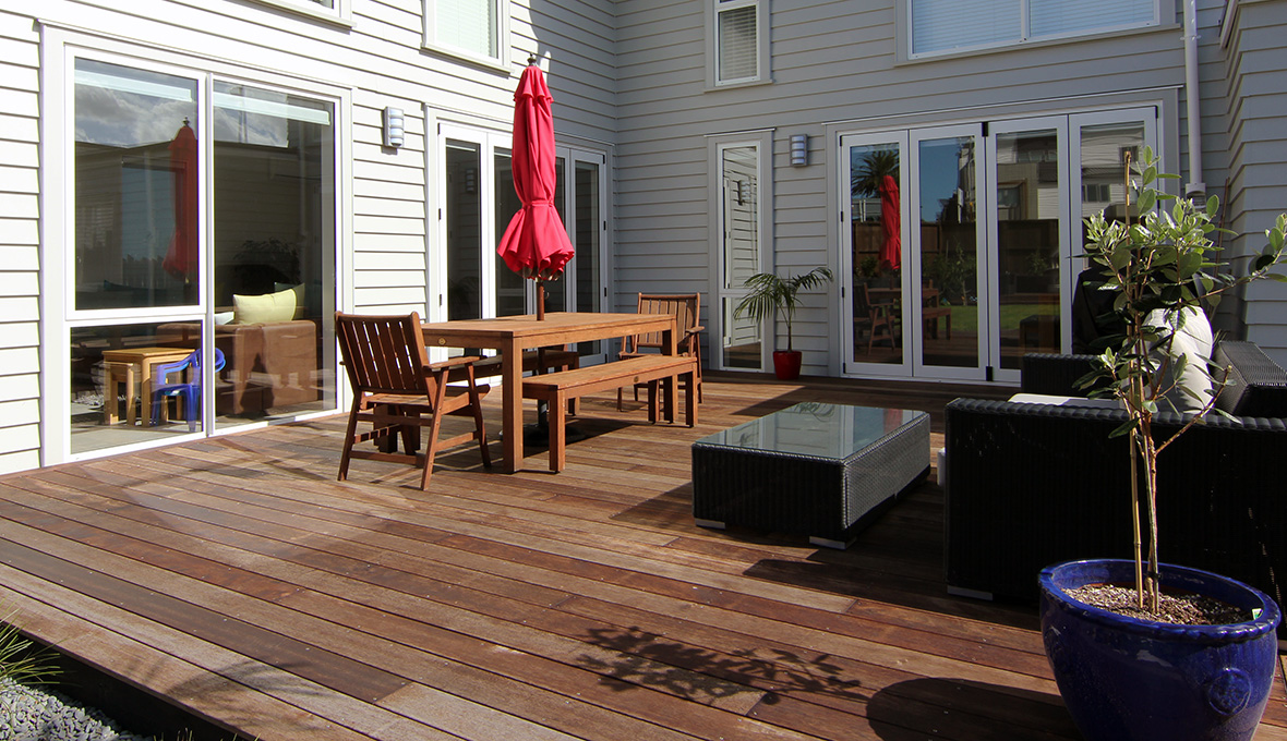 Extended deck with dining table made for entertaining