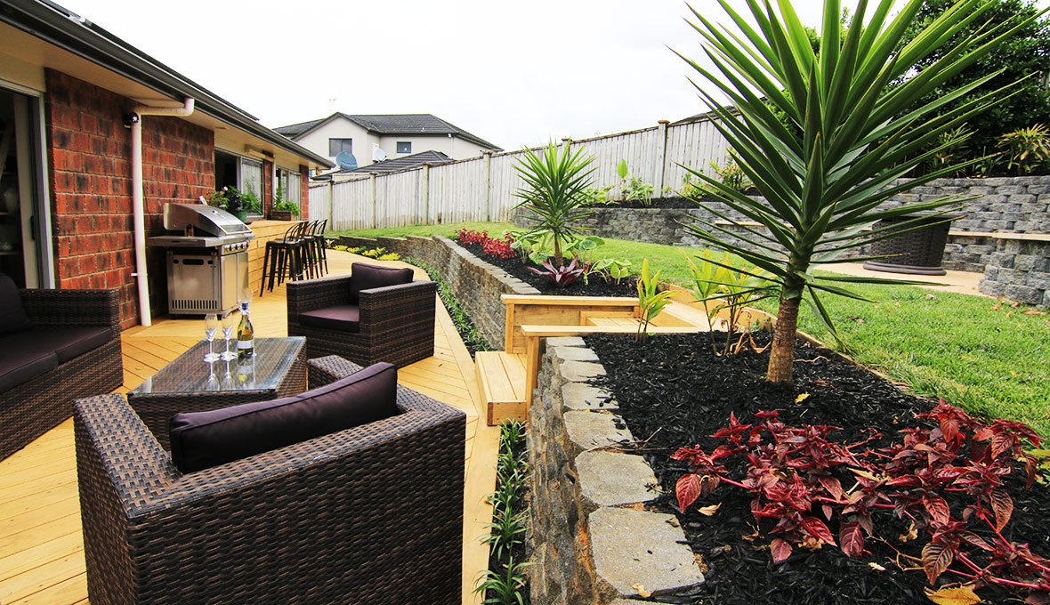 Carefully selected planting creates a peaceful atmosphere