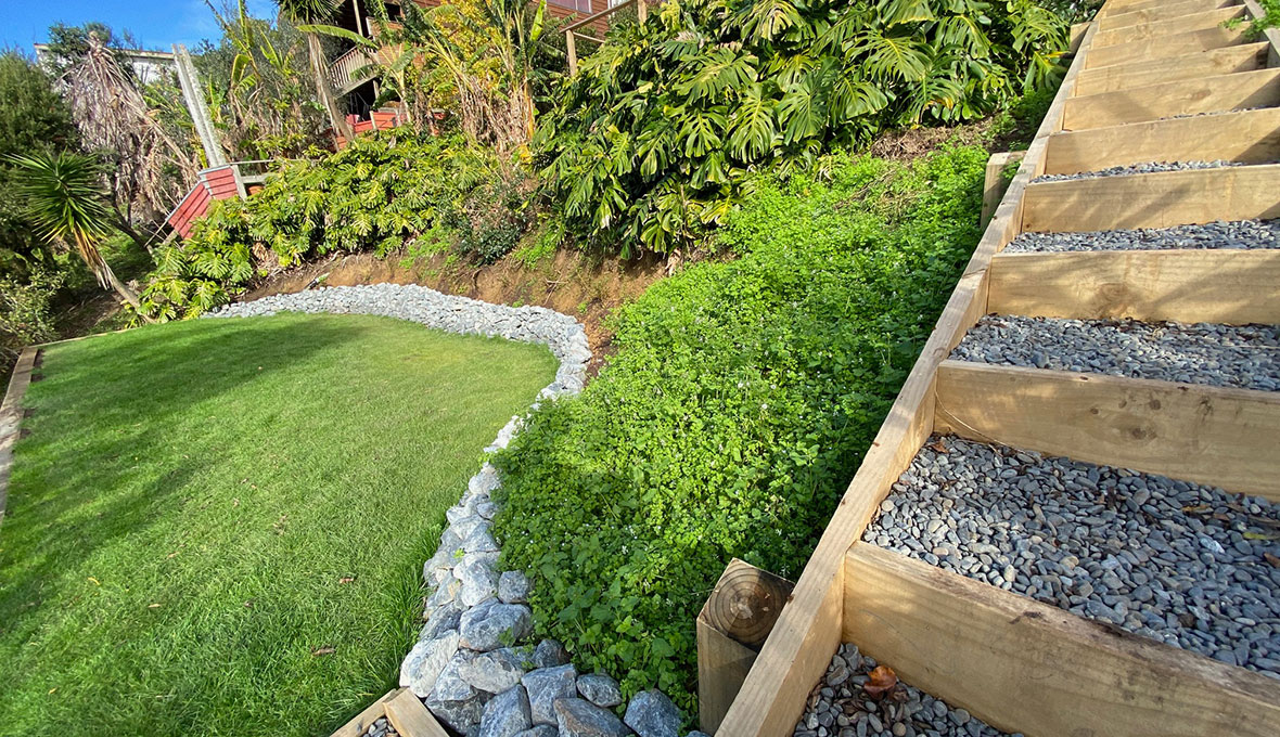 Retaining and a new lawn in Whangaparaoa Peninsula