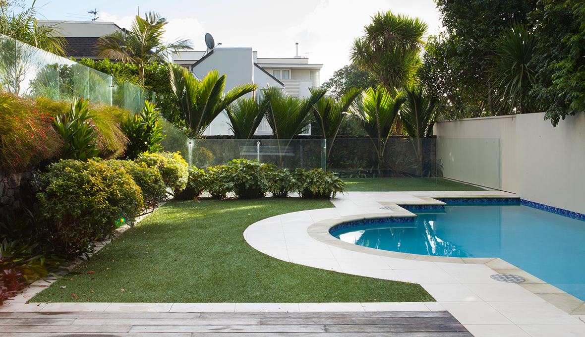 Zones landscaping art deco garden pool