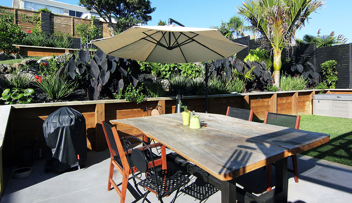 Outdoor entertainment area designed by Zones, landscaping specialists